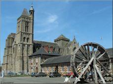 dol-de-bretagne-cathedral-Roue